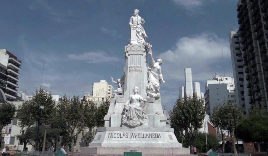 La historia del monumento de Nicolás Avellaneda en Plaza Alsina - Avellaneda  Hoy